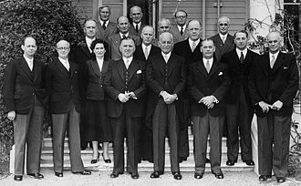 Sidney Holland - Holland and other Cabinet ministers with the Governor-General, Sir Willoughby Norrie, at Government House, 27 November 1954