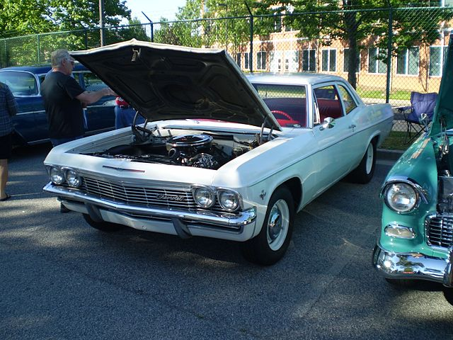https://upload.wikimedia.org/wikipedia/commons/thumb/f/f4/1965_chevrolet_bel_air_2_door_%28observe%29.JPG/640px-1965_chevrolet_bel_air_2_door_%28observe%29.JPG