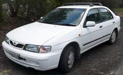 1998–2000 Nissan Pulsar (N15 S2) LX sedan (Australia)