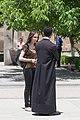 2014 Prowincja Armawir, Wagharszapat, Dziewczyna i ksiądz Apostolskiego Kościoła Ormiańskiego.jpg