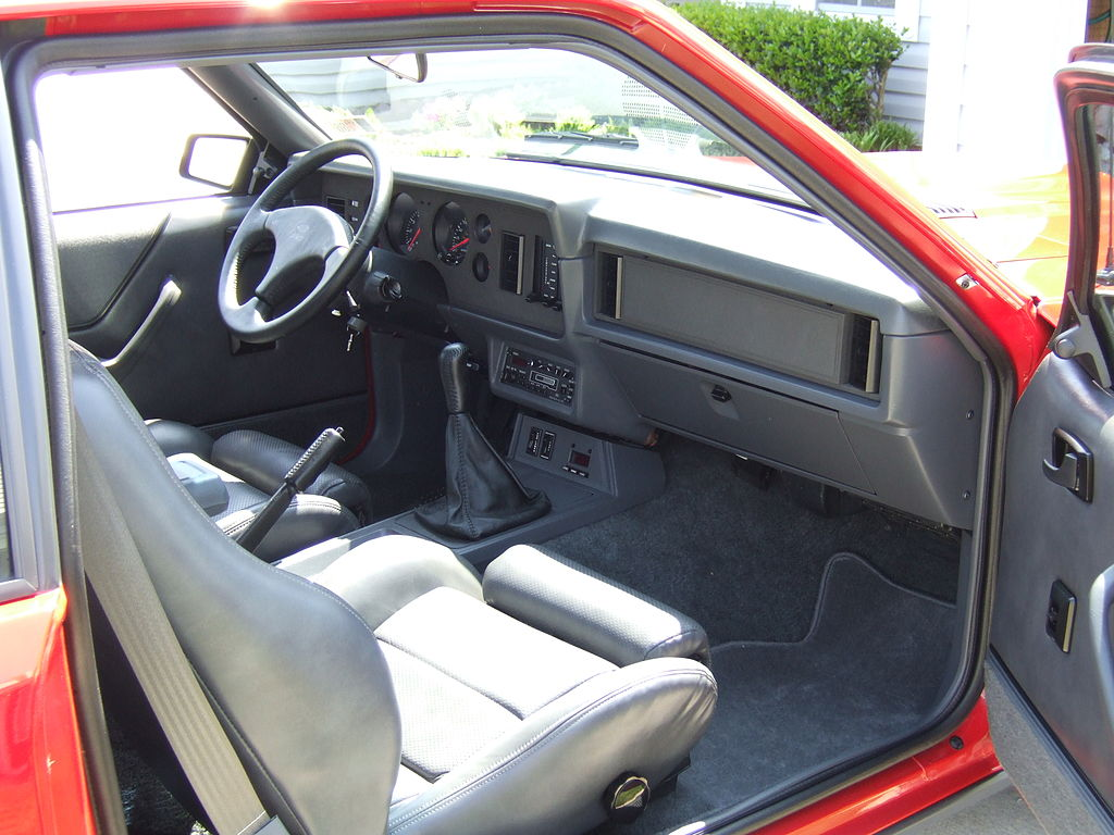 File 86 Mustang Svo Leather Interior Jpg Wikimedia Commons