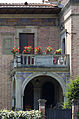 A balcony with red flowers, Siena - 1340.jpg