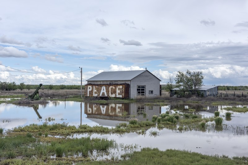 File:A barn with a message in rural Otero County, Colorado, near the historic Bent's Old Fort LCCN2015632526.tif