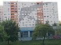 A nyolc emelet magas sárkányrepülős (2013), Lajos utcai lakótelep, 2018 Óbuda.jpg