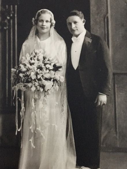 Abe Saperstein and Sylvia Franklin at their wedding in 1934 Abe Saperstein wedding.jpg