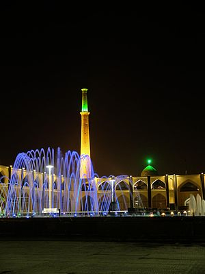 Aghigh Square esfahan 201312 06