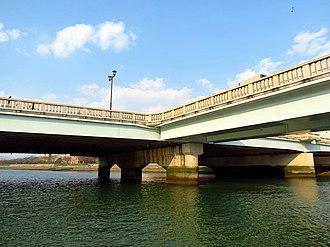 Multi-way bridge - Image: Aioi Bridge, Hiroshima (2016)