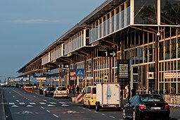 Airport Stuttgart Terminals 1-4 traffic side