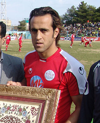Ali Karimi - Karimi as captain of Persepolis before a friendly match