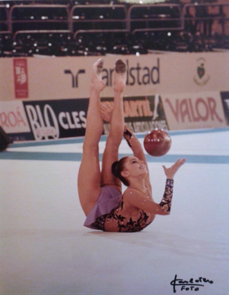 Alina Kabaeva - Kabaeva at the 2001 World Championships