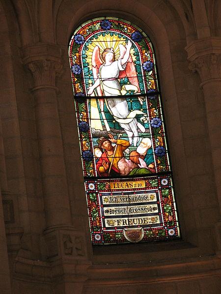 File:Angel & Shepherds stained glass 1691 (507901795).jpg