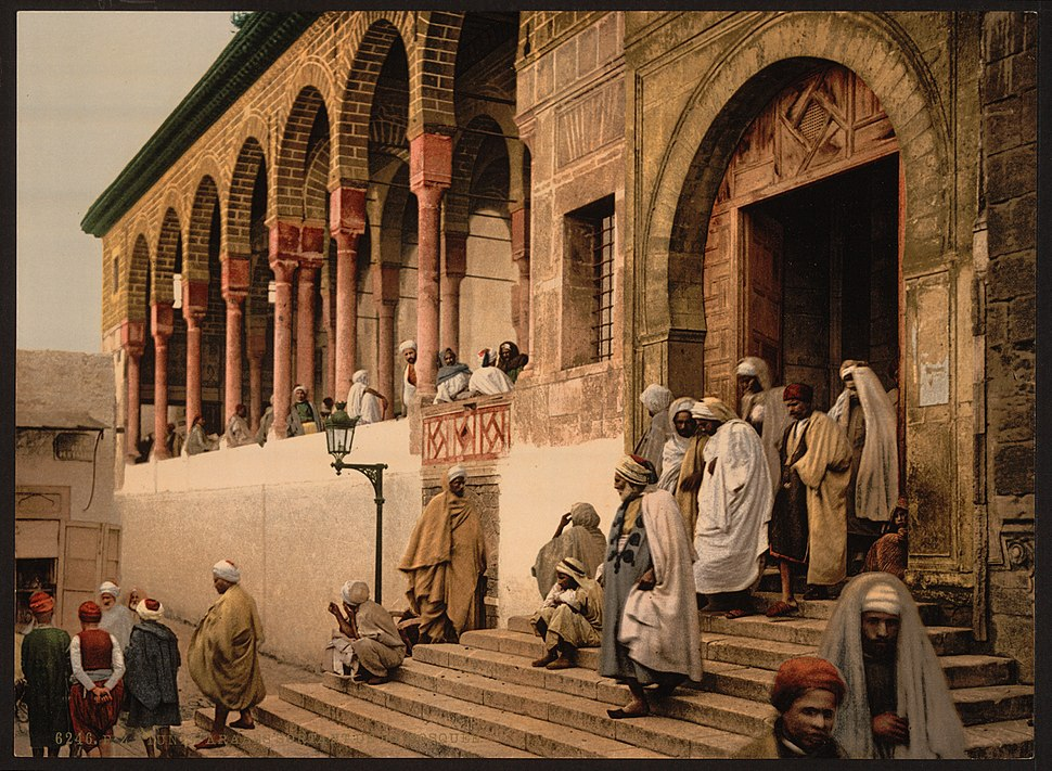 Arabs leaving mosque, Tunis, Tunisia-LCCN2001699400