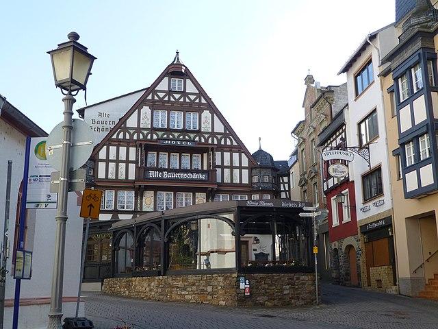 File:Assmannshausen Alte Bauernschänke 084.jpg - Wikimedia Commons