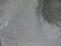 Bagnères-de-Luchon statue baigneuse signature.jpg