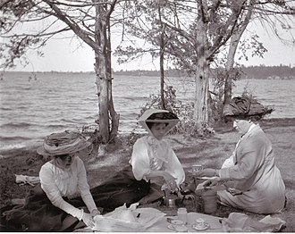 Bay of Quinte - Image: Bay of Quinte picnic 1909