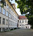Belruptstraße 37 Hauptschule 9.jpg