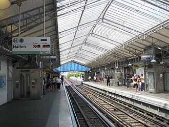 Bir-Hakeim (Paris Métro) - Image: Bir Hakeim Paris Metro Station 1
