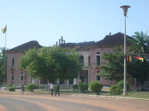 Guinea-Bissau Civil War - The war damaged and abandoned former presidential palace in the capital Bissau.