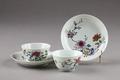 Blommigt kinesiskt porslin från 1700-talet - Hallwylska museet - 96108.tif