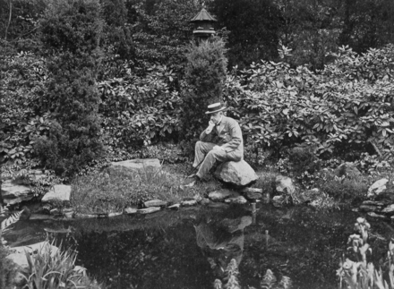 Where Edward Bok is Happiest: In His Garden, published in his 1922 autobiography. Date and place are uncertain. BokGarden.png