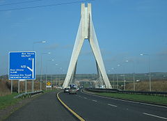 Autostrada M1 w poblizu mostu Mary McAleese Boyne Valley Bridge