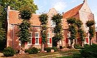 Bunderhee Steinhaus Südseite.jpg