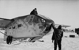 Bundesarchiv Bild 101I-004-3633-07, Russland, Cholm, Soldatentransport mit Go 242.jpg