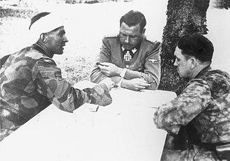 Kurt Meyer - Max Wünsche (left), Fritz Witt (center), and Meyer (right) about 7–14 June 1944 in the vicinity of Caen, France