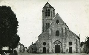 Auxy, Loiret - The church in Auxy