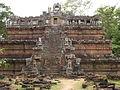 Cambodia 08 - 111 - Angkor Thom - Phimeanakas (3228921900).jpg