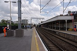 Camden Road railway station MMB 07.jpg