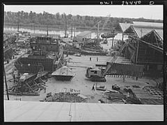 Cargo vessel under construction 8d39891v.jpg
