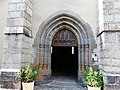 Cassuéjouls église portail.jpg