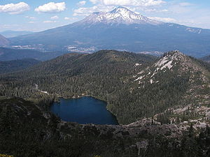 Castle Lake (California) - Castle Lake with Mount Shasta in background
