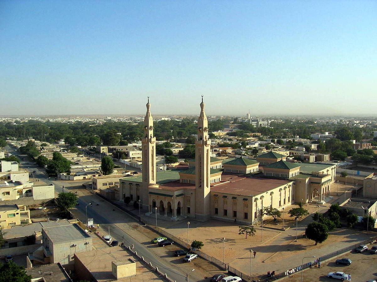Central mosque in Nouakchott.jpg