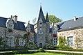 Château de Rochefort-en-Terre (cour 1).jpg