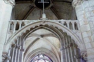 Foil (architecture) - Image: Champagne sur Oise Notre Dame de l'Assomption Triumphbogen 195