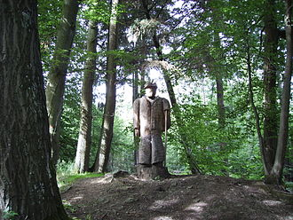 Eppingen lines - A carved wooden watchkeeper near the entrance to the Eppingen chartaque.