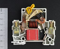 Circuit breaker structure ON