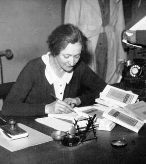 Claude Silve - Claude Silve in 1935 signing her novel Bénédiction.