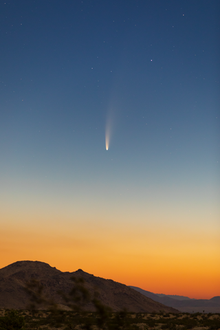 [Comet C2020F3 NEOWISE over California desert landscape, by Dbot3000]