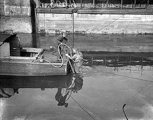 Shannon hydroelectric scheme - Diver involved in survey work for the Shannon Scheme, 1925