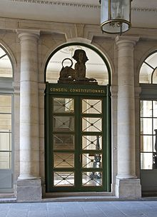 L'entrée principale, sous les arcades du Palais-Royal
