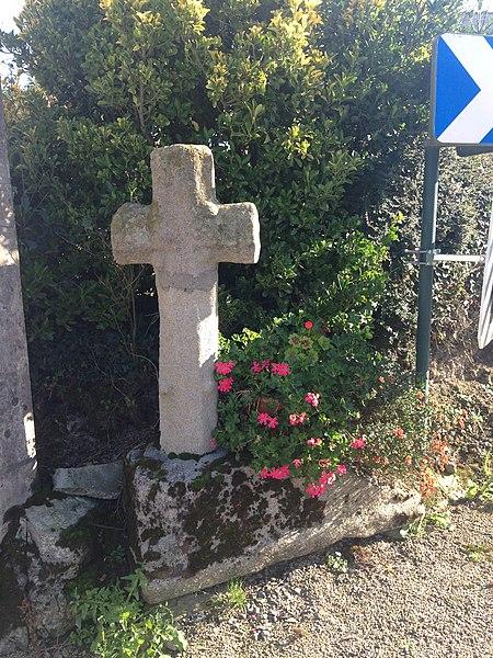Croix monolithe située à Saint Symphorien en Pléven