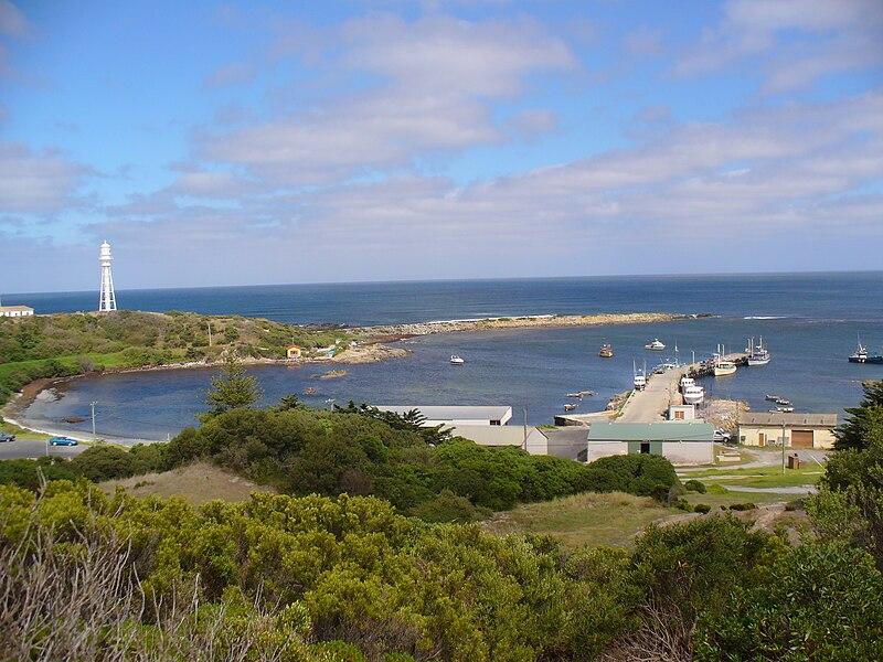 File:Currie Harbour-King Island-Australia.jpg