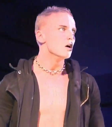 Darby Allin at Evolve 100.png