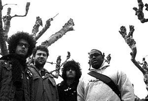 """De Facto (band) - Omar Rodríguez-López, Jeremy Michael Ward, Cedric Bixler-Zavala, Isaiah """"Ikey"""" Owens"""