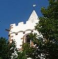 Der Turm der romanischen Martinskirche stammt aus dem 11. Jahrhundert. - panoramio.jpg