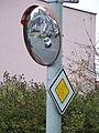 Dopravní zrcadlo, Ke stáčírně - Stýblova.jpg
