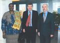 Dr. Claude Rouiller, Mme Fatoumata Diakité et M. Guy Ryder.png